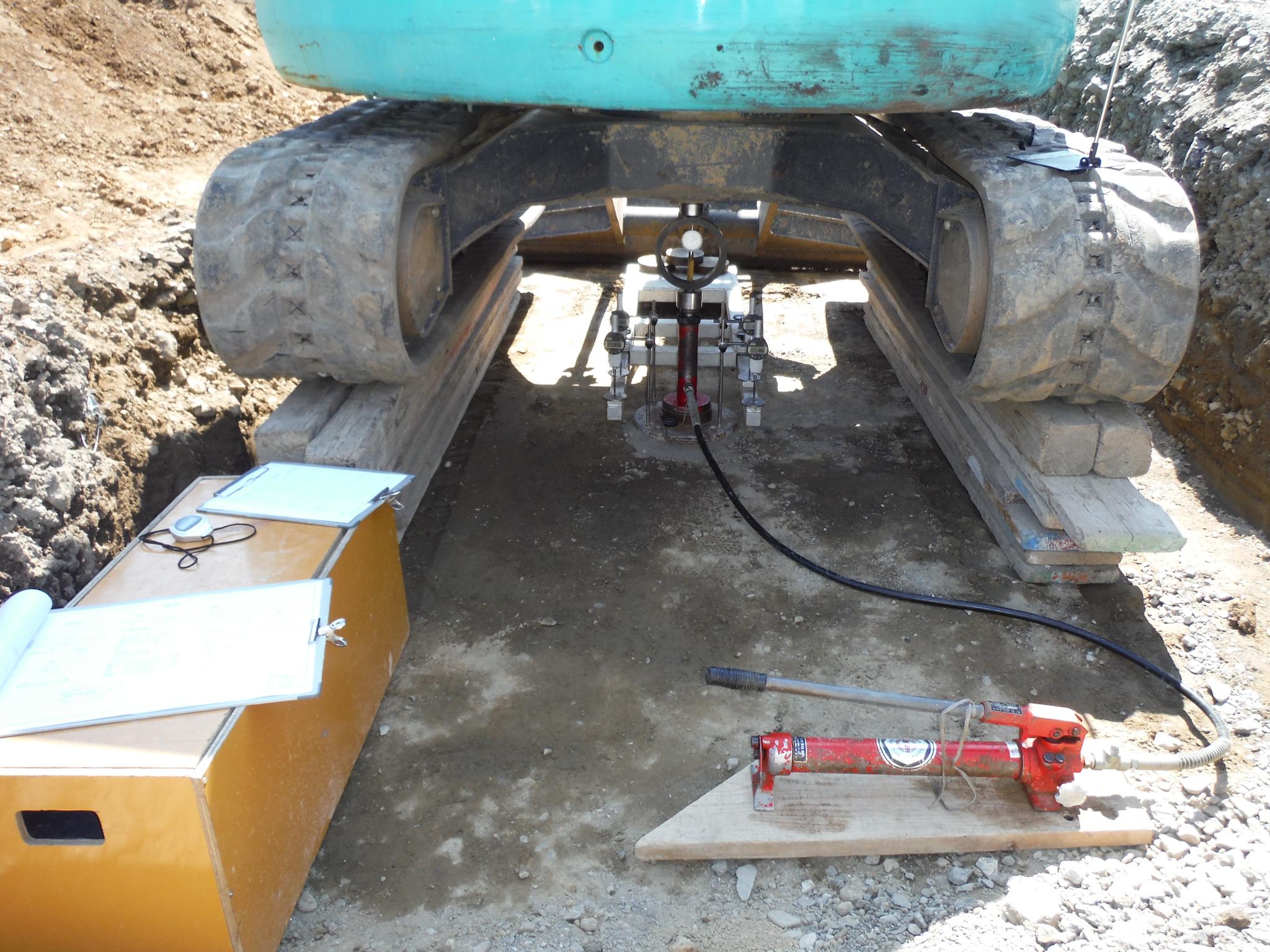 地盤の平板載荷試験のイメージ